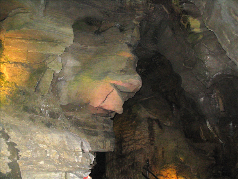 Howe Caverns 17