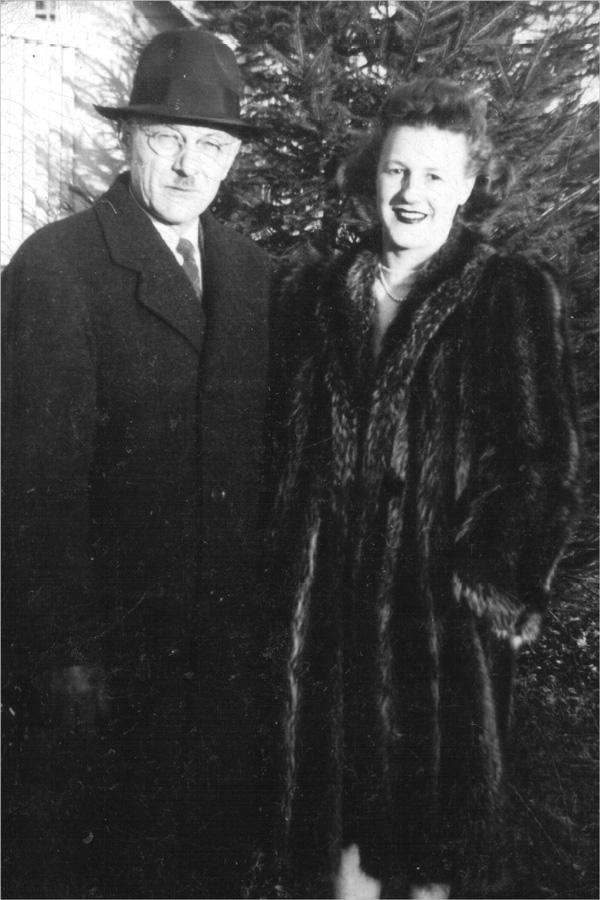 Pa and Jane 1934