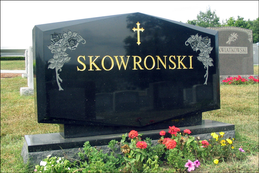 The Monument for Chester S. Skowronski, Mary A. Pianowski, and Chester R. Skowronski - Obverse