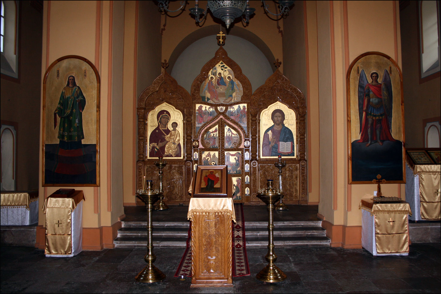 Orthodox Church of St Nicolas in Vilnius Lithuania - Interior