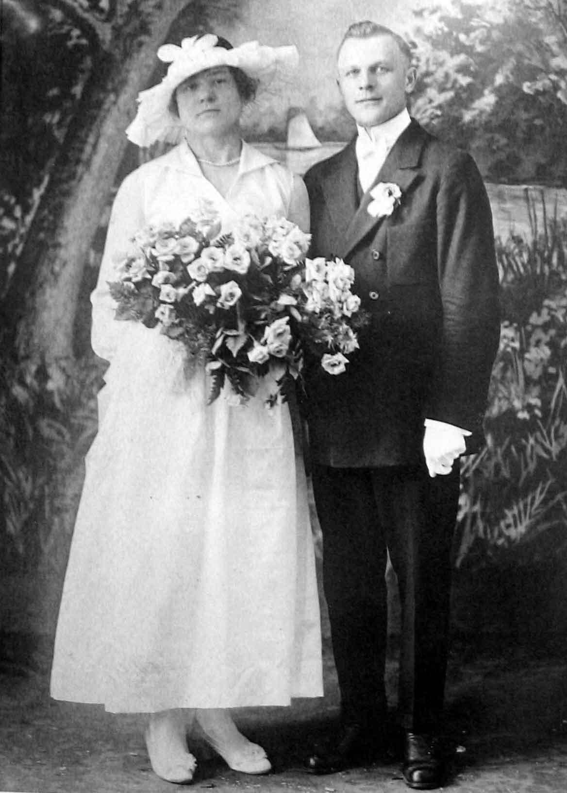 The Wedding of Kostanty Niedzialkowski and Helena Chmielewska - 1918