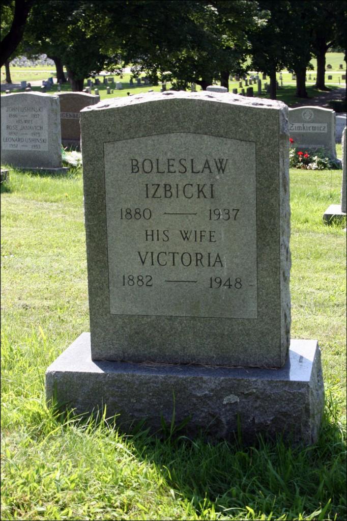 The Gravestone of Bolesław Izbicki and Wiktoria Kruczyńska - Reverse