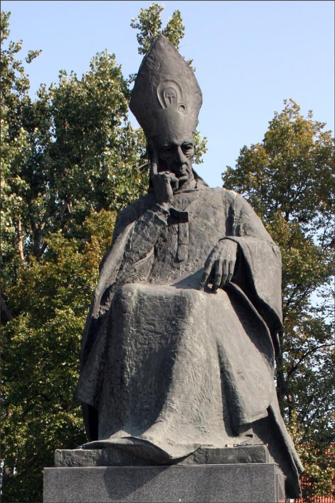 Monument to Stefan Cardinal Wyszyzski
