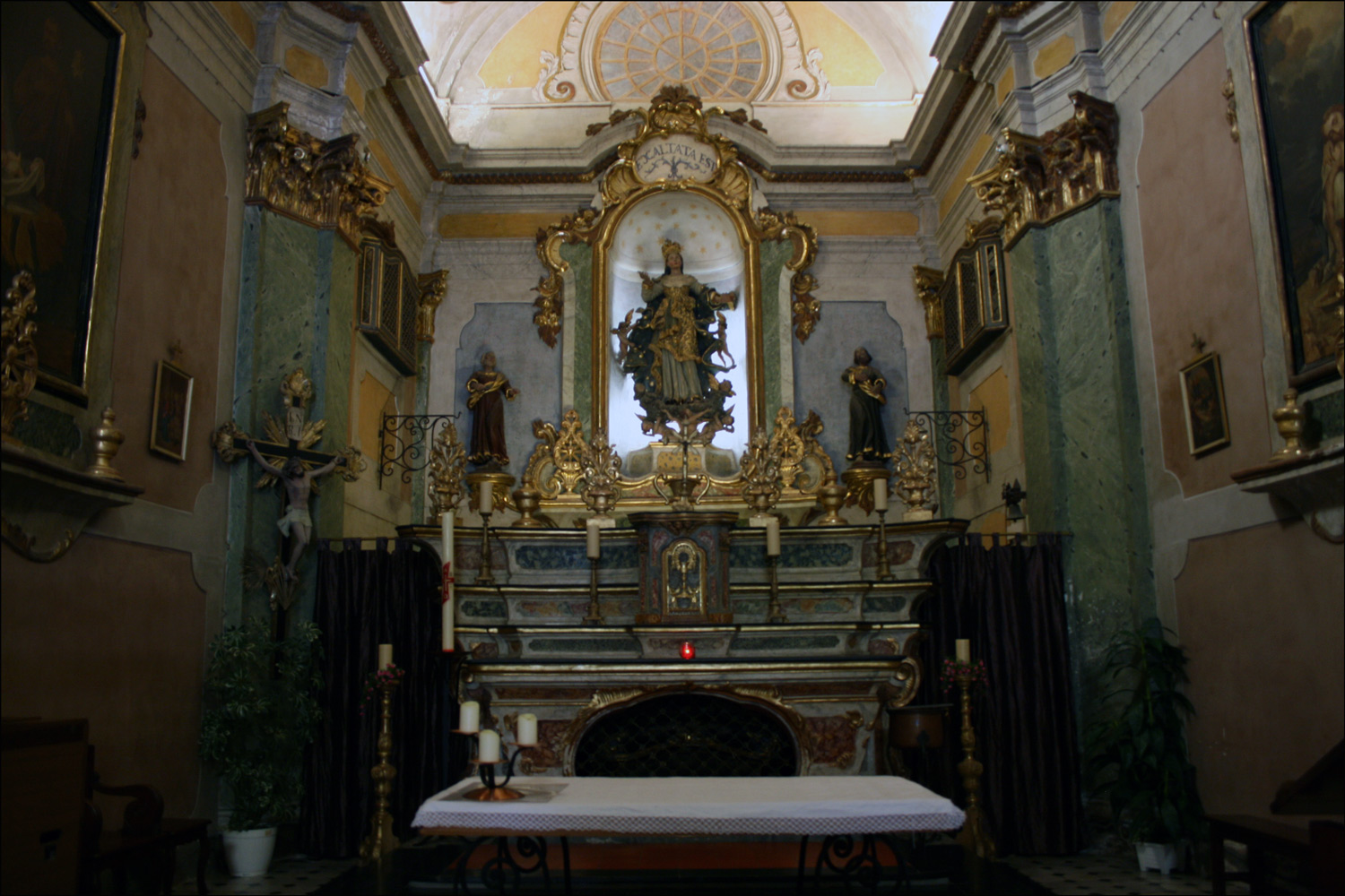 The Altar in Notre Dame de l'Assomption