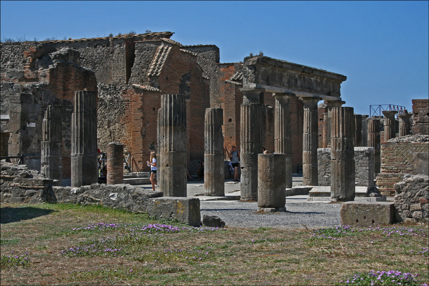 Colonnade of Popidius with City Archive and Office