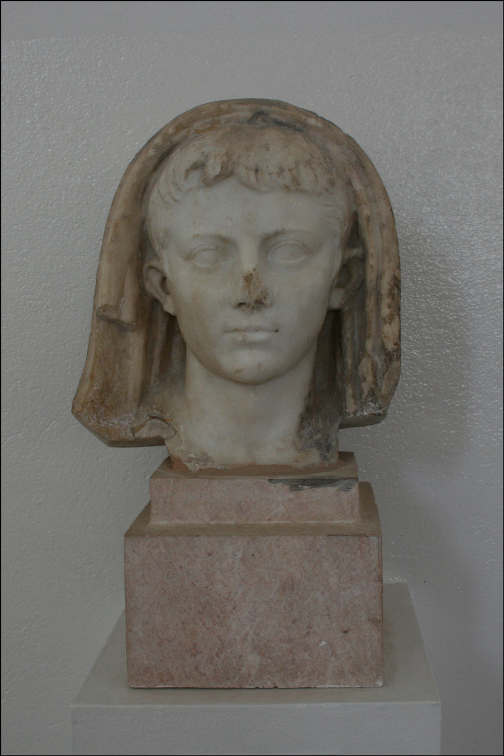 Head of Gaius Caesar