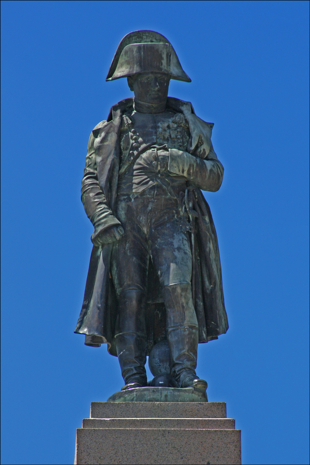 Statue of Napoleon on la Place d'Austerlitz