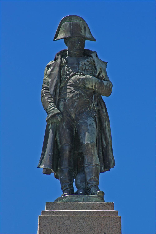 Statue of Napoleon on la Place d'Austerlitz