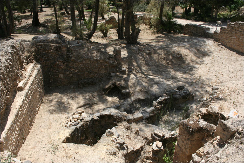 Phoenician Graves