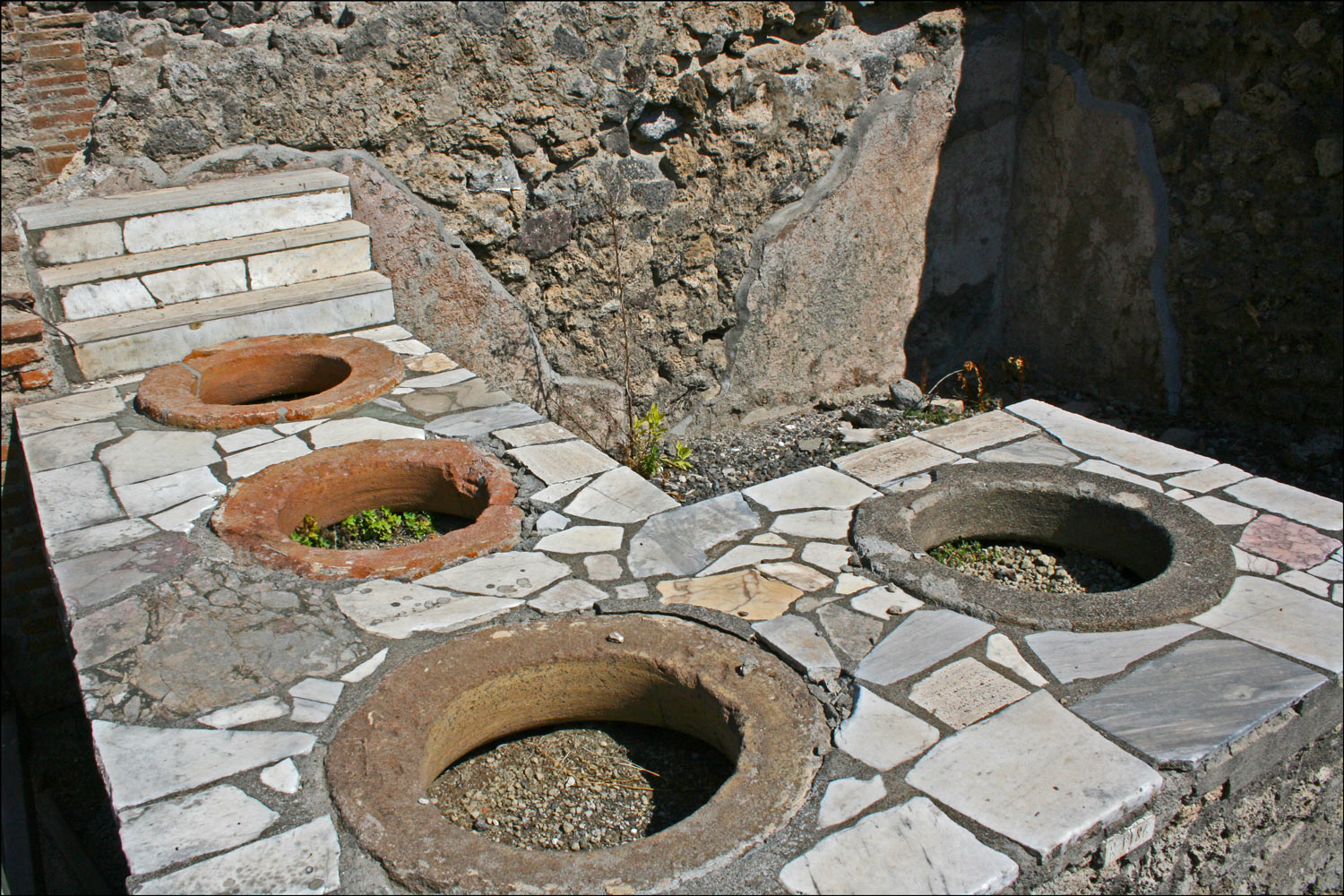 Therapolium on Via Stabiana