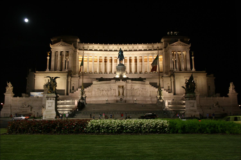 Monument to Victor Emmanuel II - Night